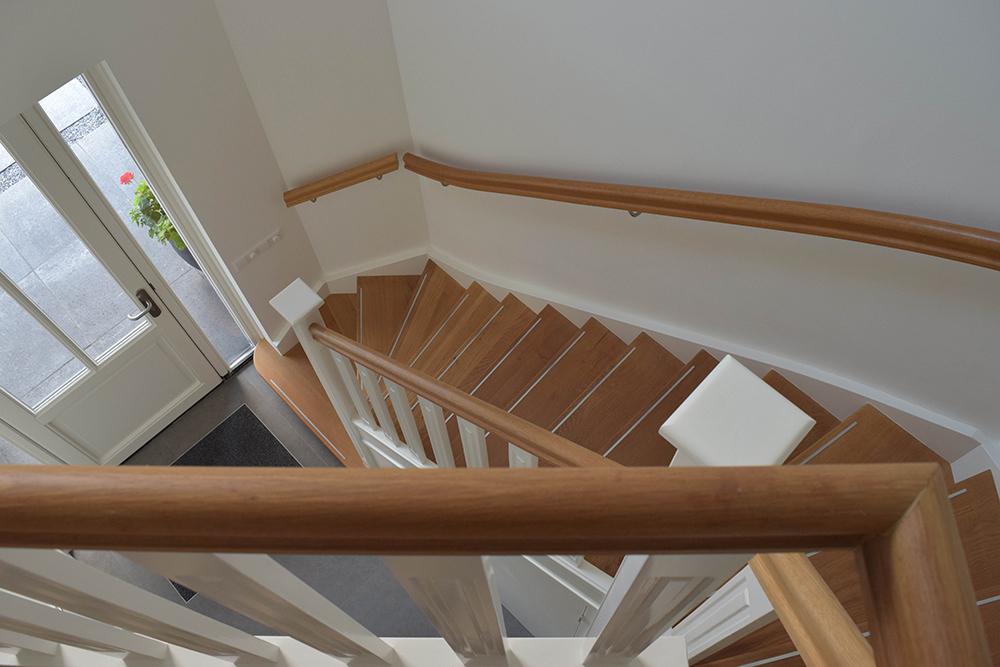 Twee kwart trap eiken dijkstra trappen for Kwart trap